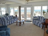 The White House - Magnificent Oceanfront View, Two Spacious Decks, Excellent Location