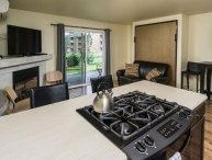 Pioneer Park Condo, 2 Blocks to Downtown, Walk Along the River, Peaceful and