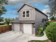 Bend Centrally located. 3 BR, 2 BA. Upstairs unit. Heyburn Street #2