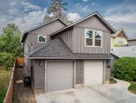 Centrally Located! First Floor Heyburn 3, 3BR, 2BA, Pet Friendly, Quiet and Private