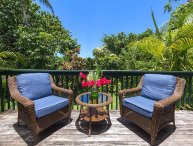 4 Bedrooms, 3-Minute Walk to the Beach, Relax in Your Private Garden Paradise
