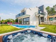 3 bedroom Villa in Trogir Okrug Gornji, Central Dalmatia, Croatia : ref 2286522