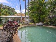 Villa Solina - 4 Bedroom House by the Beach