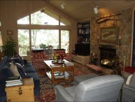 Walk 1 block to ski access - 6th bedroom mother-in-law unit optional (2295)
