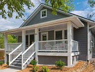 Quaint home just steps to downtown Black Mountain and Lake Tomahawk Park
