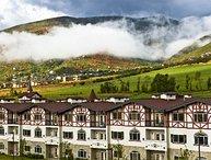 Villas at Zermatt Resort - Condo # 3051 2 Queen Bed Suite, full bathroom, No
