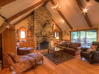 Private Banner Elk Mountain Cottage with Views! Custom Stone and Wood Work, Hot
