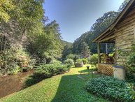 2BR Cottage, Fishing Allowed, Foosball, Minutes to Boone, Blowing Rock, App Ski Mtn, Tweetsie Railroad, Handicapped Accessible, 2 Gas Fireplaces, Sleeps 6, King Bed