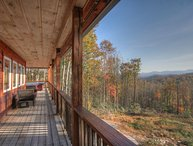 Peaceful and Private 3BR Mountain Lodge with Mountain Views, Hot Tub, Fire Pit