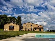 9 bedroom Villa in Buonconvento, The Crete Senesi, Tuscany, Italy : ref 2383114