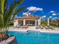 4 bedroom Apartment in Kanfanar, Istria, Ladici, Croatia : ref 2373643