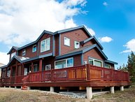 Three bedroom minutes from Keystone! Private Hot Tub