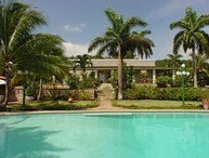 Drambuie Estate - Ideal for Couples and Families, Beautiful Pool and Beach