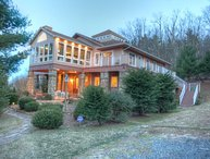 Large, Upscale Mountain Lodge near Boone and Blowing Rock with 12 Bedrooms, 2 Kitchens, Hot Tub, Pool Table, Long Range Views