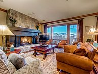 Incredible 4BR Platinum Rated Ski In/Ski Out Hummingbird Lodge Residence