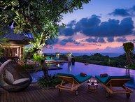 Clifftop Ocean View 7 BR Villa, Nusa Dua