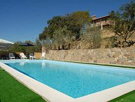 Detached villa in Tuscany with private-fenced pool. 4/5 bedrooms. Airco & Wi-fi