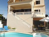 4 bedroom Villa in Armacao de Pera, Algarve, Portugal : ref 2299108