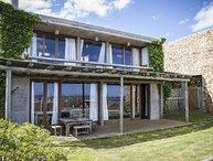 Delightful 4 Bedroom House in Manantiales