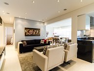 Beautiful 2 Bedroom Apartment in Brooklin