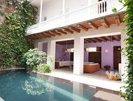 5 Bedroom Mansion with Swimming Pool in the Old Town