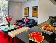 Luminous 1 Bedrooms Duplex Apartment in Santa Barbara
