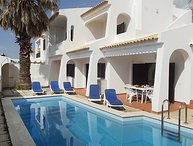 4 bedroom Villa in Albufeira, Algarve, Portugal : ref 2243372