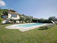5 bedroom Apartment in Camaiore, Garfagnana, Tuscany, Italy : ref 2386679