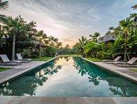 Marika Sawah 4 Bedroom Villa, Rice Field View, Feature Pool and Gardens, Canggu