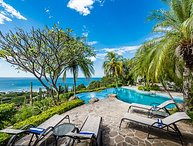 6 bd with views, infinity pool and natural mosquito control system