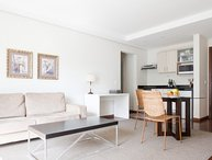 1 Bedroom Apartment with Pool in Jardins