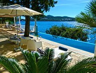 BEACHFRONT BEAUTIFUL POOL VILLA IN DUBROVNIK