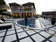 Royalty Villa, 12 beds, car+driver, Jimbaran