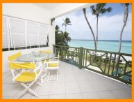 Luxury 2 Bed Beachfront Apartment with Pool